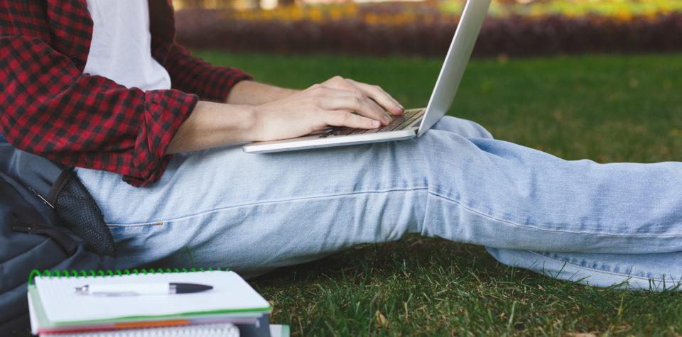 Universitário sofre? Dicas para estudantes que precisam organizar a vida financeira